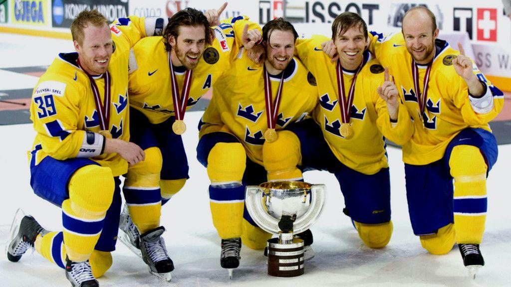 Franzén (längst till vänster) efter VM-guldet i Riga 2006.