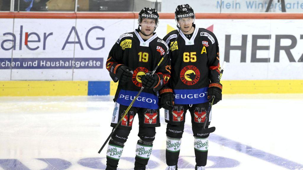 Jesper Olofsson till vänster.