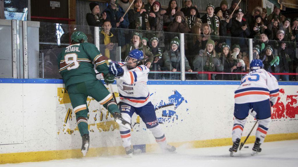 Det lades stor vikt vid hockeyscenerna i Björnstad.