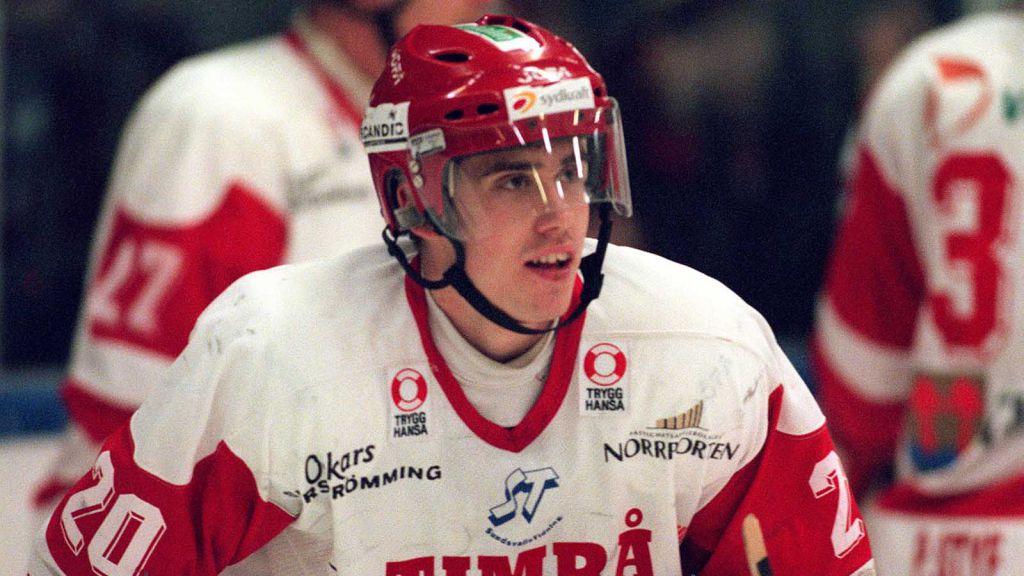En ung Henrik Zetterberg bar Timrå på sina axlar.