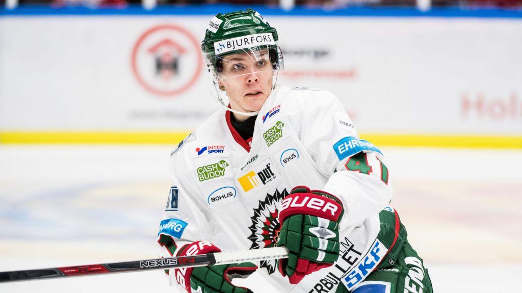 Jakob Stenqvist fick göra ett par SHL-matcher med Frölunda.