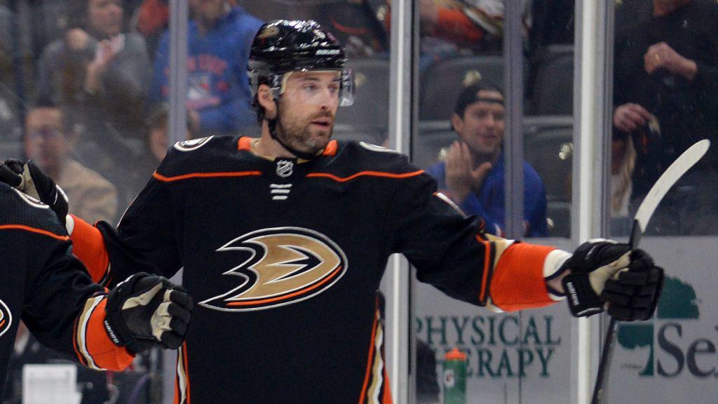 Erik Gudbranson trejdades hem till Ottawa av Anaheim.
