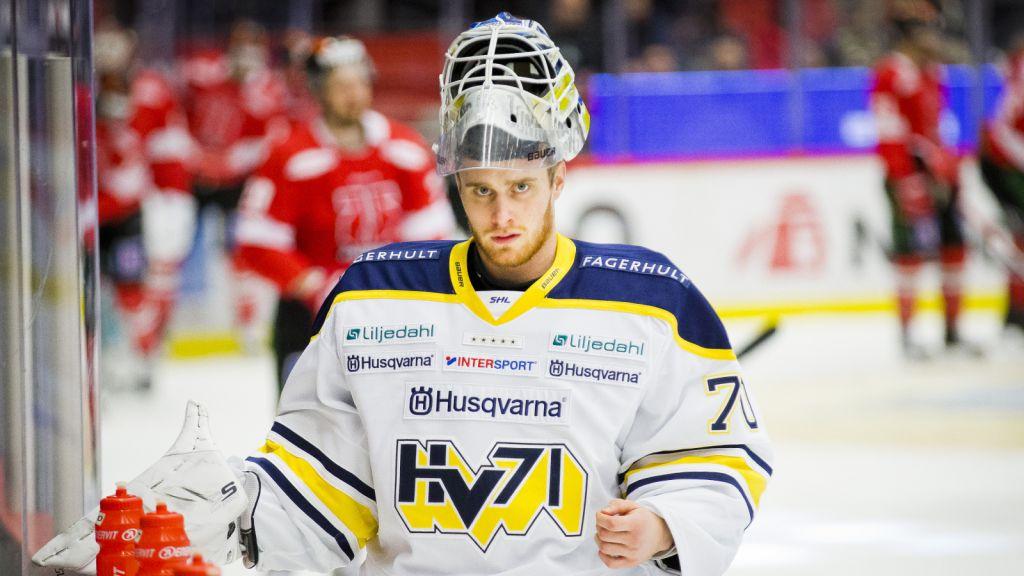 Adam Åhman har bara fått hoppa in som backup i HV71 den här säsongen.