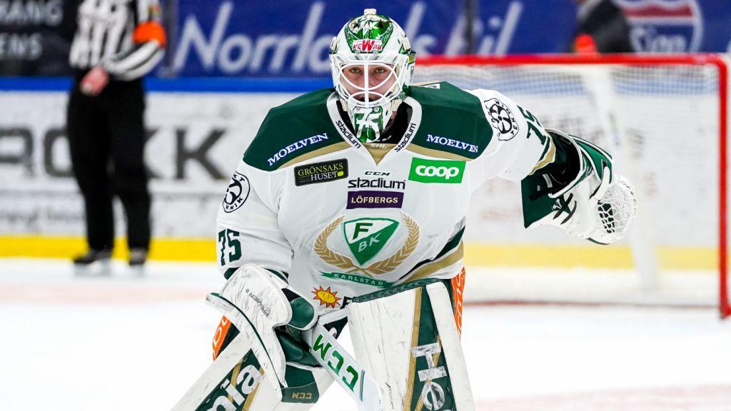 Arvid Holm har spelat fler än hälften av Färjestads SHL-matcher den här säsongen.