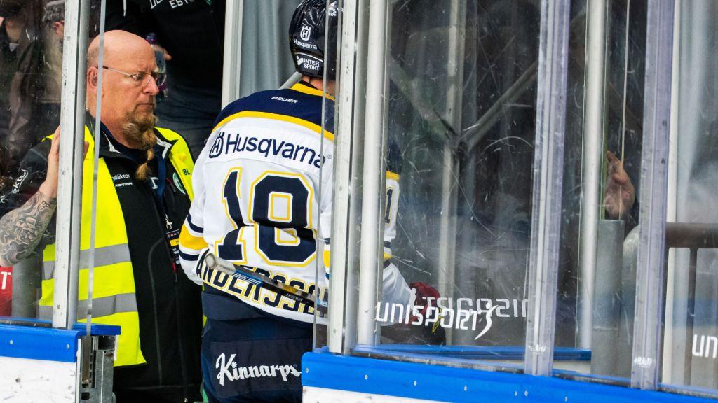 """""""Det är alldeles för hårt"""" - matchstraff för HV71-forwarden"""