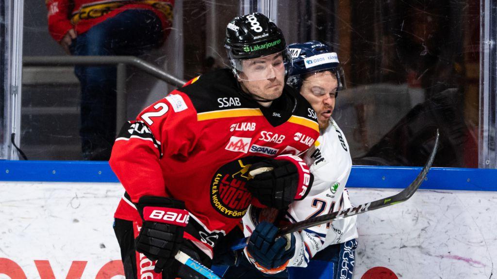 Oscar Engsund tacklar Växjös Brendan Shinnimin.