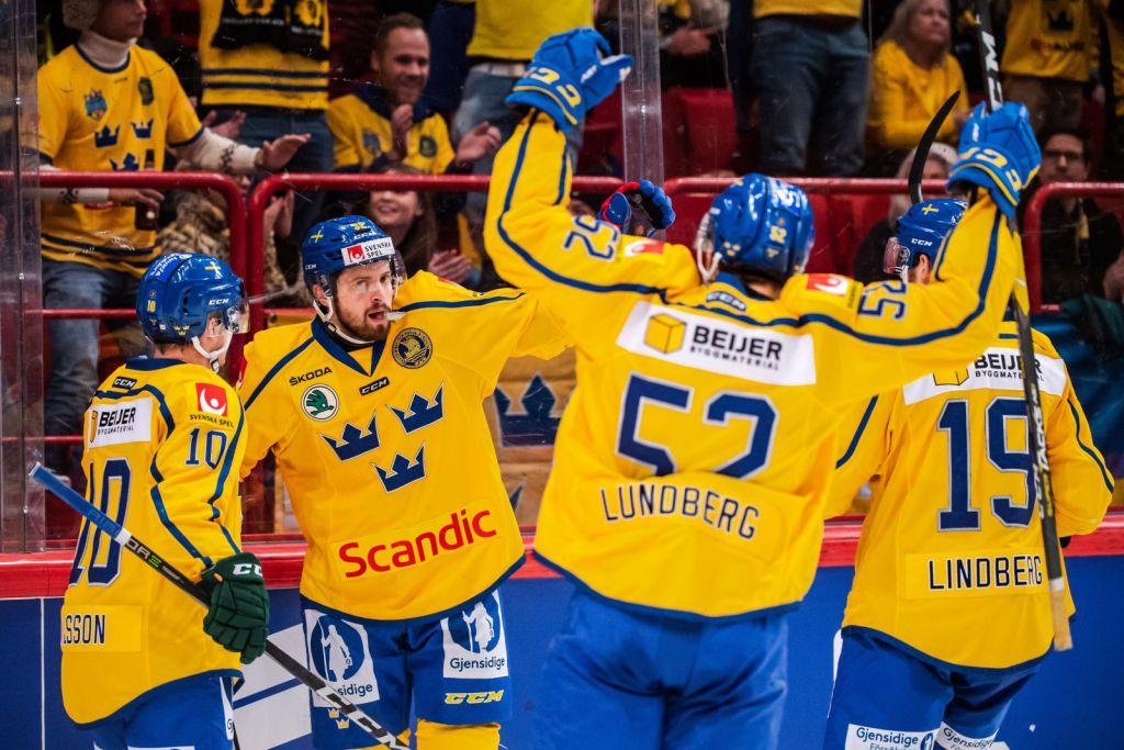 Lukas Bengtsson jublar efter sitt mål i Globen.
