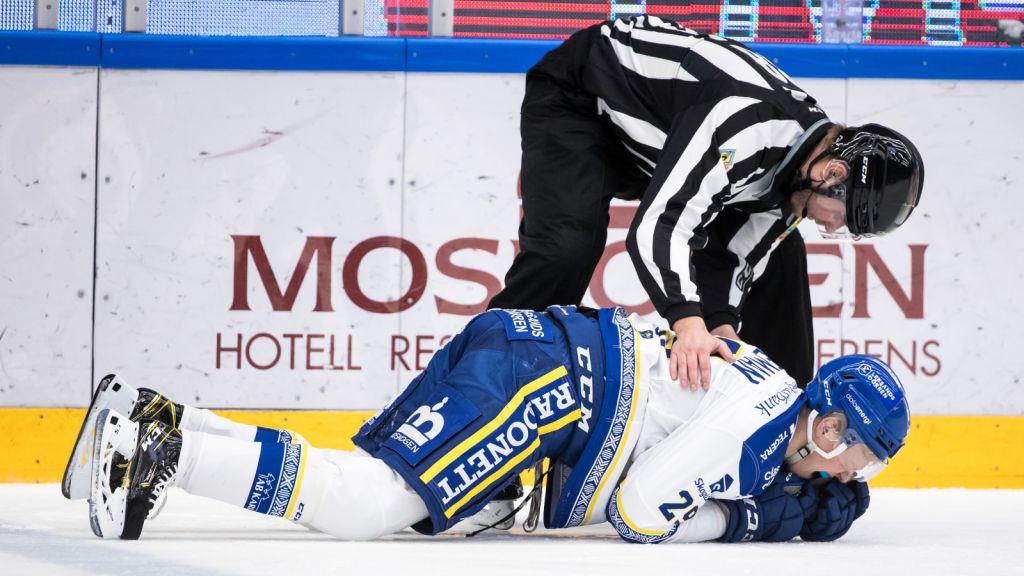 Emil Heineman avbröt matchen efter Patrik Berglunds tackling.