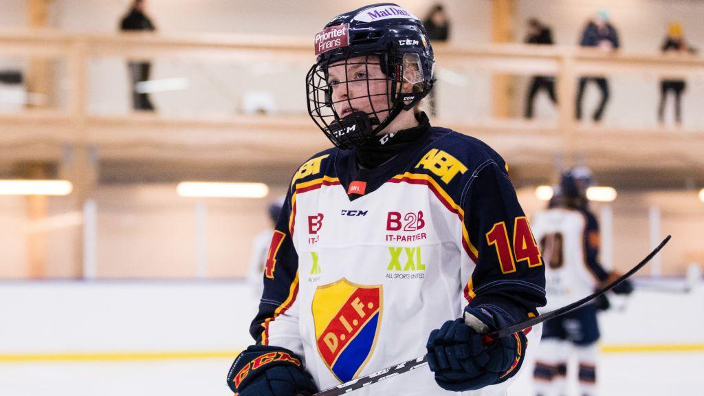 """Forwarden förlänger med Djurgården: """"En riktig team player"""""""