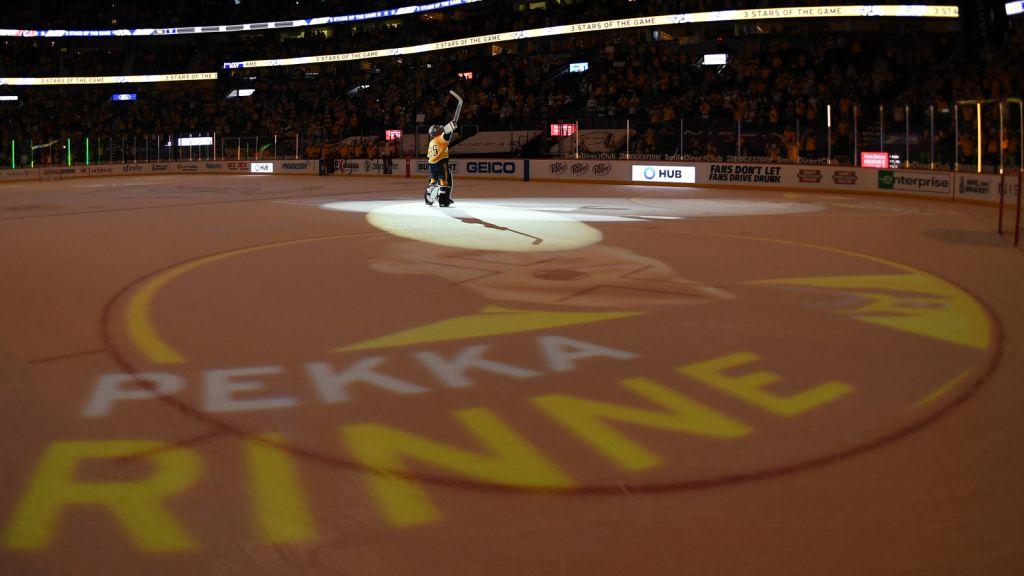 Pekka Rinne hyllades efter sin sista hemmamatch för Predators i maj.