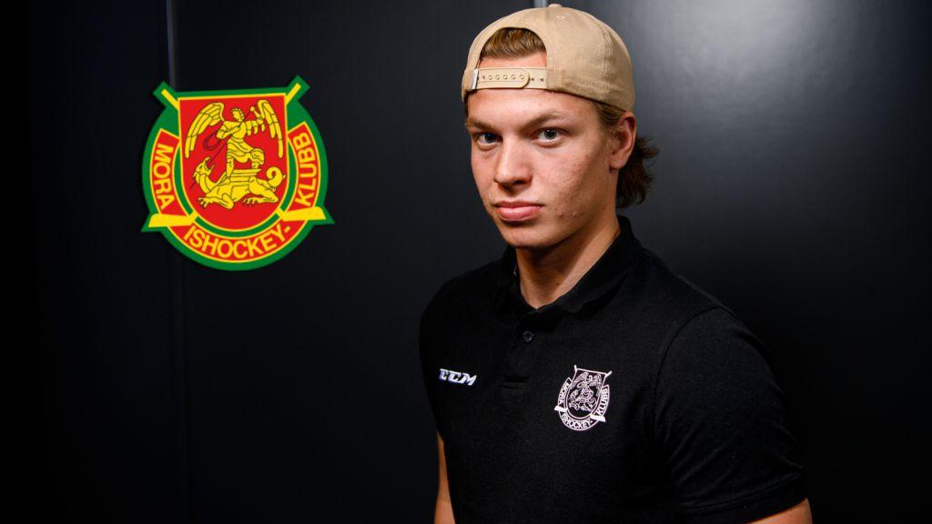 """Lukas Wernblom ratade SHL – valde en fortsättning i Dalarna: """"Är det som är så speciellt med Mora"""""""