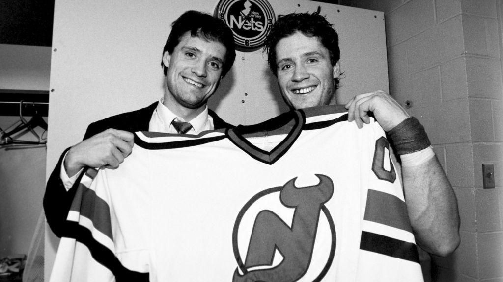 Bröderna fick spela i samma lag i NHL också.