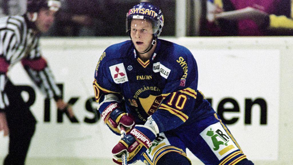 Klivet från Division 2 (svenska tredjedivisionen) till Elitserien var stort för den unge Ragnarsson.