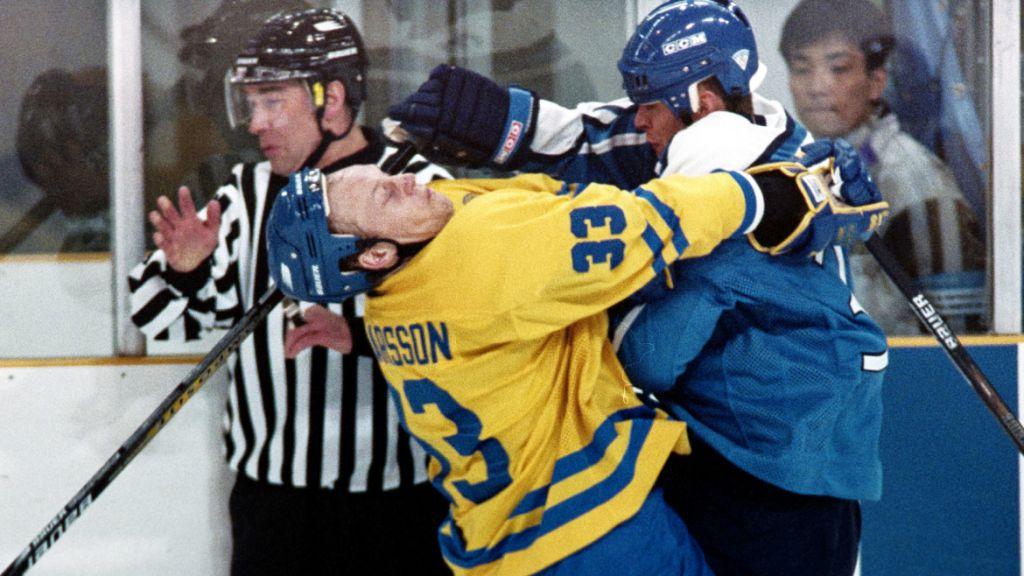 Ragnarsson och Tre Kronor åkte på en tung förlust mot Finland i OS-kvartsfinalen 1998.