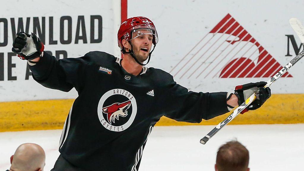 Niklas Hjalmarsson avslutar karriären.