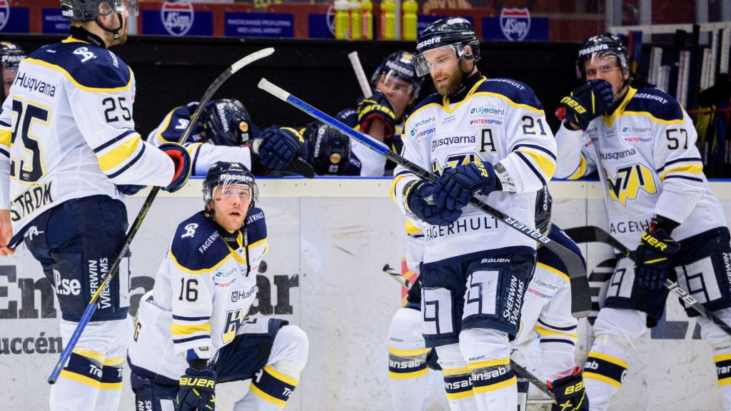 Bröderna Sandberg deppar efter att ha förlorat matchserien mot Brynäs.