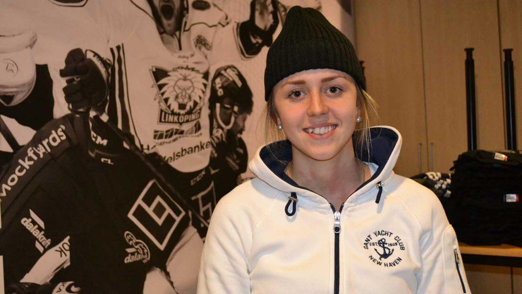 Linnea Johansson hade en tuff tid förförra säsongen när hon spelade med killar.