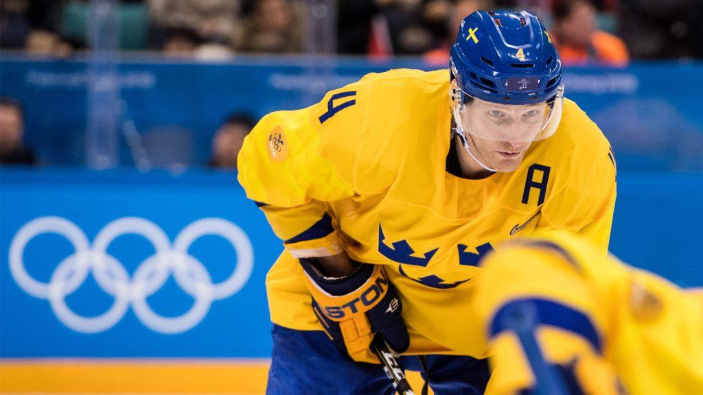 Uppgifter: Svenske trotjänaren får lämna KHL-klubben