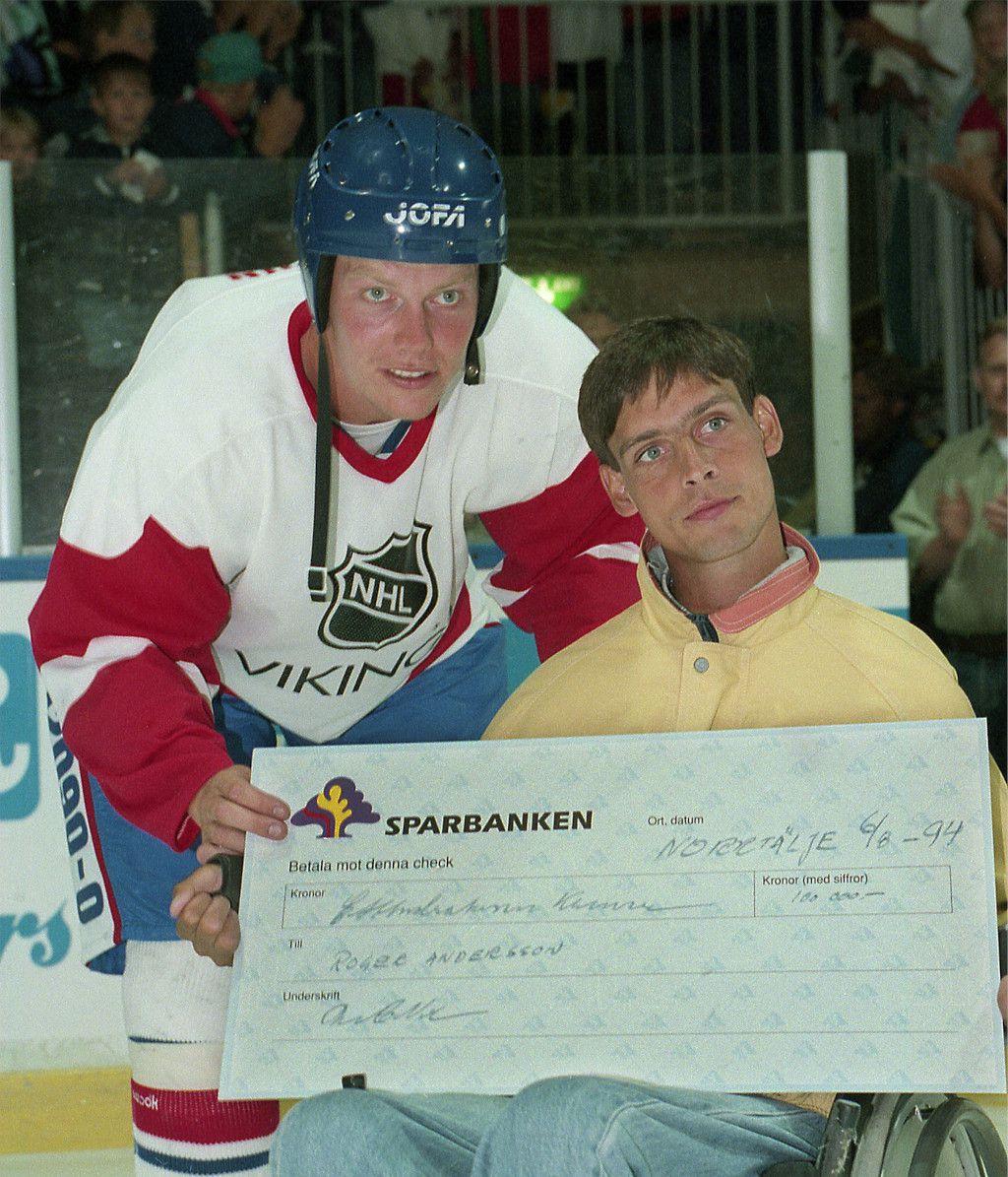 Mats Sundin tillsammans med Roger Andersson.