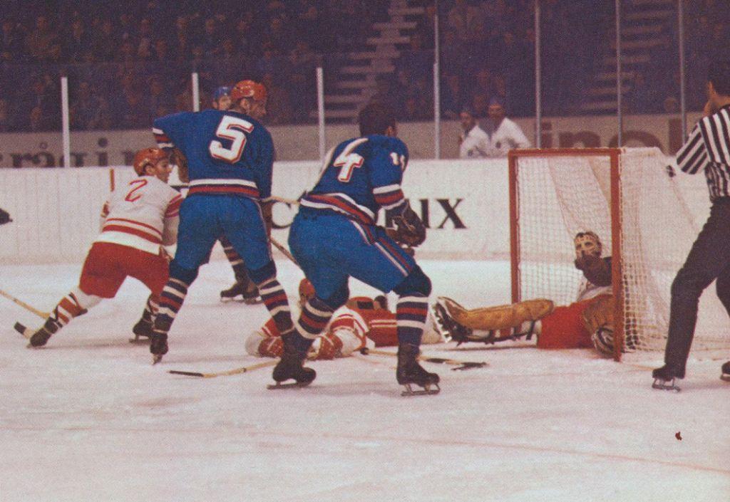 En match mellan Tjeckoslovakien och Sovjet.