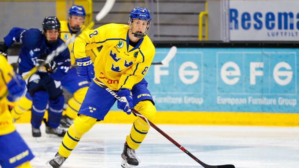Simon Edvinsson  eni U17 landskamp.