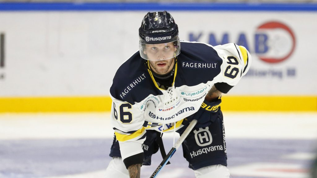 Alexander Ytterell i HV-tröjan.