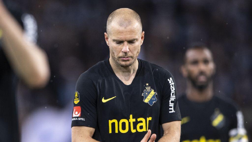 AVSLÖJAR: Ikonen har förlängt med AIK - nya kontraktet