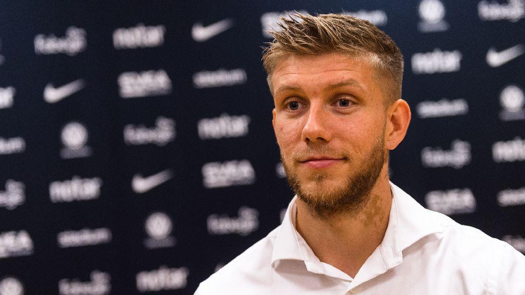 AVSLÖJAR: Nu vill han bort igen - sitter fortsatt fast efter AIK