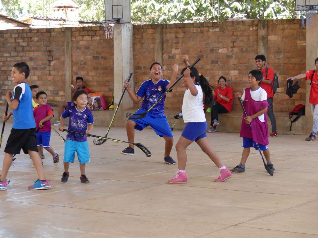 Sydamerikansk glädje över att spela i Bolivia.